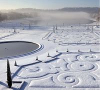 snow covered gardens of Verilles
