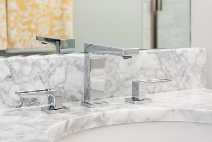 chrome contemporary faucets