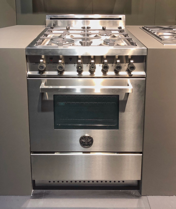 "24"" gas range from Bertazzoni"
