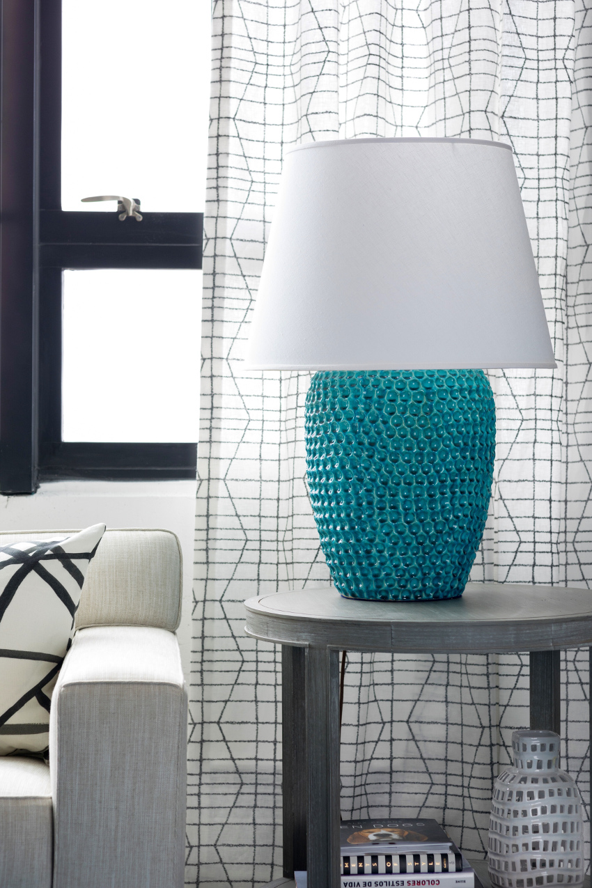 Icon Group turquoise lamp