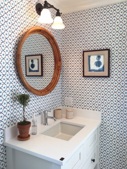 blue and white bathroom, coastal idea house, Mark Sikes