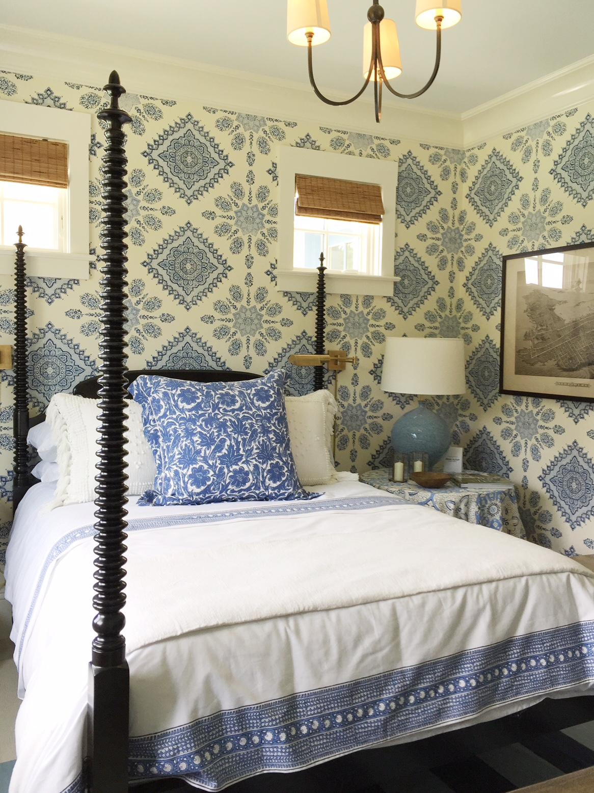 blue and white bedroom, coastal idea house, mark Sikes
