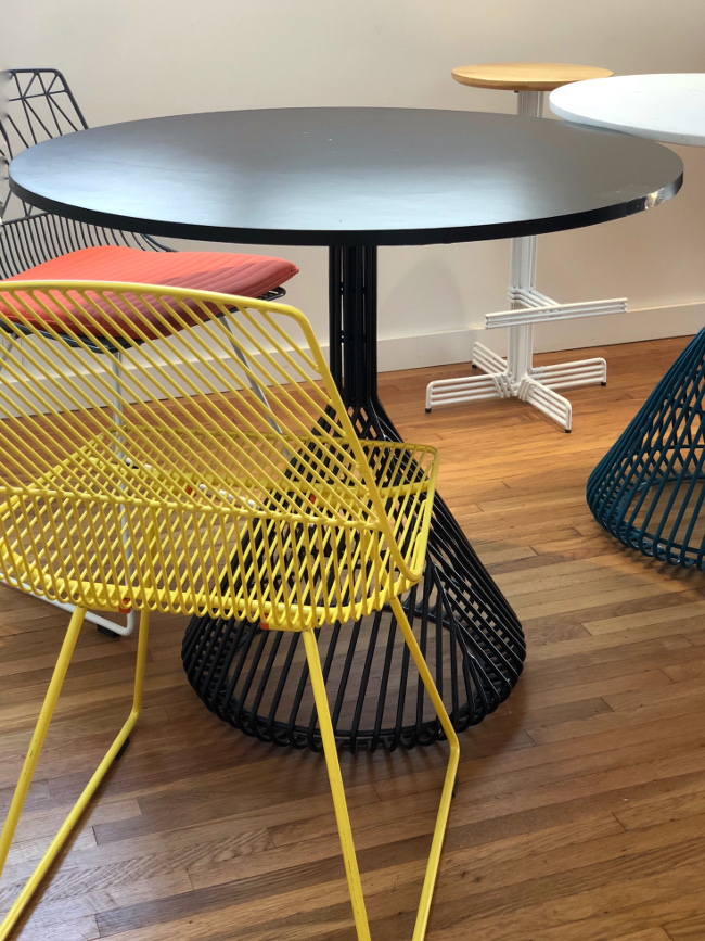 bend table and chairs