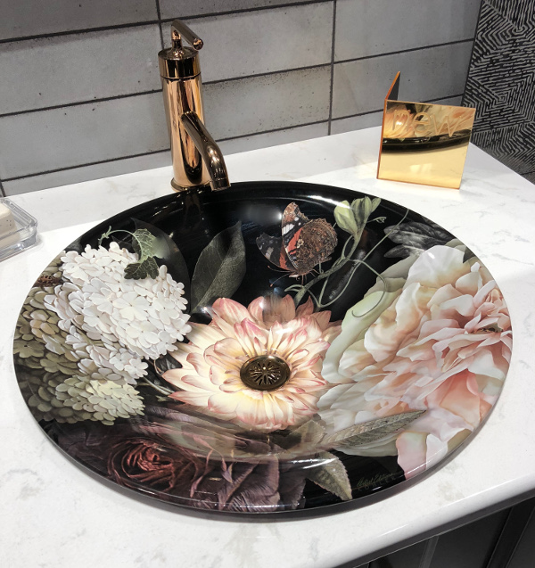 Winchester designer Linda Holt shares floral sink color trends from KBIS 2018