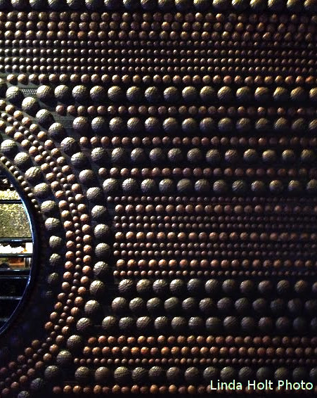 textured wall at Aria Hotel