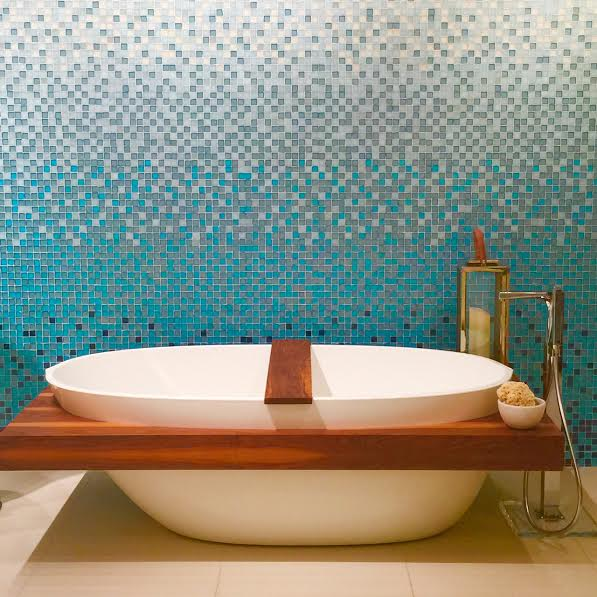 Friday's Photo: Bathroom beauty and a big announcement!