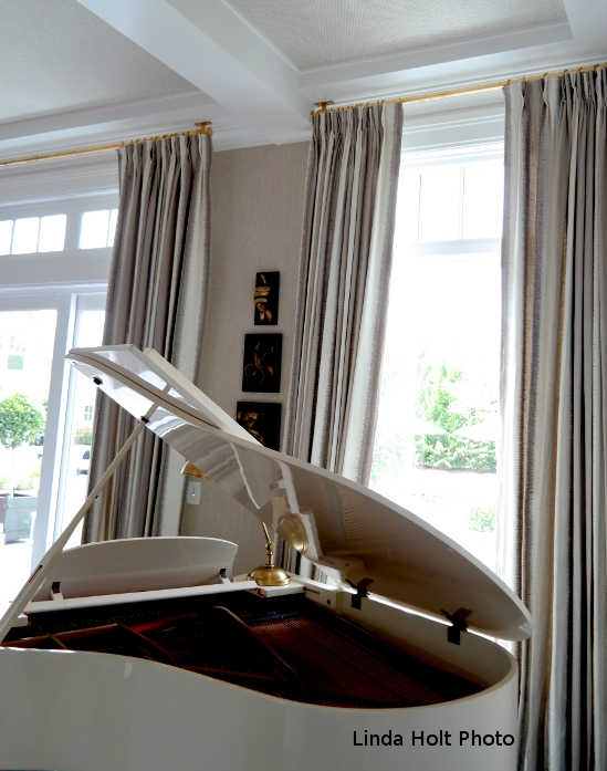 The top three trends in window treatments visit linda for Hamptons style window treatments